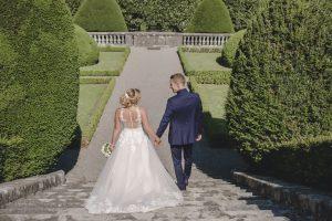 Braut und Bräutigam in der Villa Boveri in Baden