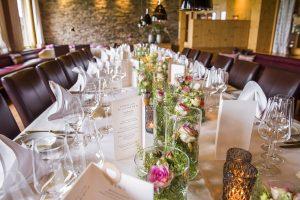 Die festliche Tafel im Hotel Die Halde   Hochzeitsfeier   Sektempfang