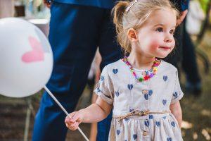 Kinder und Luftballon